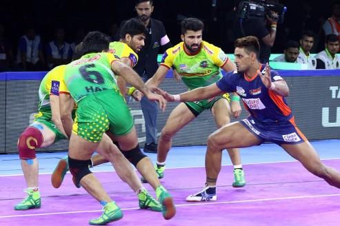 WATCH PKL HIGHLIGHTS: Bengal Warriors produced an all-round performance to beat Patna Pirates 35-26