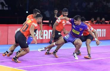 Watch Pro Kabaddi Highlights: Naveen Kumar entered the Kabaddi record books as home side Dabang Delhi K.C. beat U Mumba 40-24