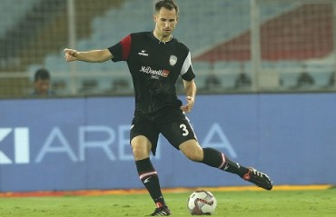 ISL 2019-20: Influential defender Komorski reunites with NorthEast United FC