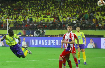 WATCH HIGHLIGHTS -- Kerala Blasters come back from a goal down to defeat ATK 2-1