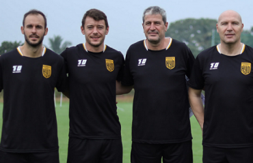 ISL 2020 – Hyderabad FC Head Coach Manolo Marquez oversees the first pre-season training session