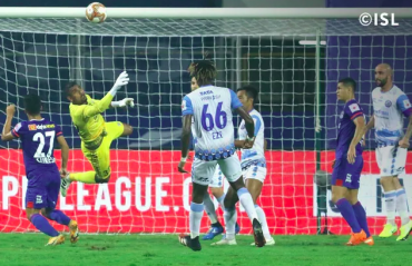 ISL -- Stephen Eze stunner helps Jamshedpur FC hand Bengaluru their second straight loss