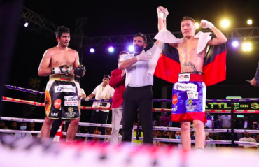 Boxing -- Artysh Lopsan stops Vijender Singh in the 5th round