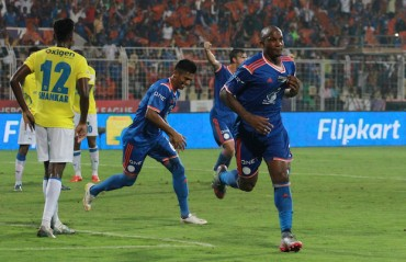 Match Report: Late goals in each half help FC Goa blow away the Blasters