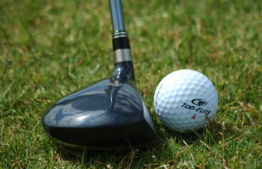 Golfer Moss leads Rai at India Masters
