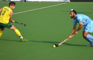 Australia score 2 goals in dying moments to take match away from India
