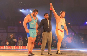Mumbai crush Bengaluru to march into PWL final