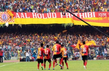 Kolkata Derby tickets are selling like hot cakes as fans throng the counters at the club tents