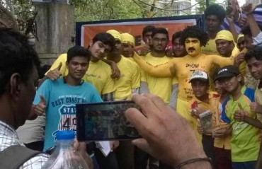 CSK fans pour out in huge numbers to get their team back