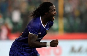 East Bengal officials fighting against odds to bring in Bernard Mendy before Kolkata Derby