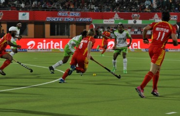 Defending champions Ranchi Rays beat Delhi Waveriders 2-1 in HIL