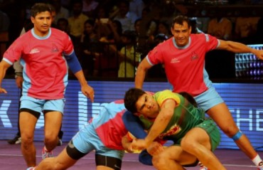 Pirates steal a last-second 1 point win over Pink Panthers in thrilling climax at Vizag