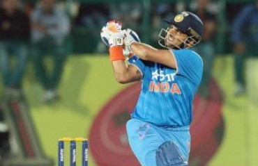 Raina to lead Gujarat Lions in IPL-9, Hodge roped in as a coach