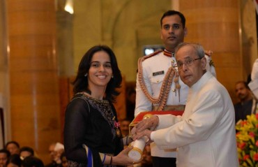 Badminton ace Saina Nehwal receives Padma Bhushan award from the president