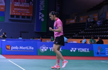 Saina Nehwal storms into the semi-final while Sindhu exits India Open SS