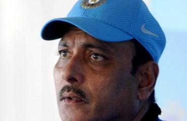 Warner is the only ball-shredder today, says Ravi Shashtri