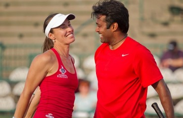 Leander/Martina enter pre-quarters of French Open mixed doubles