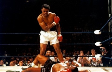 Professional Wrestlers and MMA Fighters Pay Tribute to Muhammad Ali