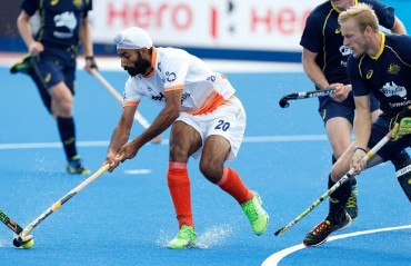 India lose to Australia 4-2 in final pool game at the Champions Trophy