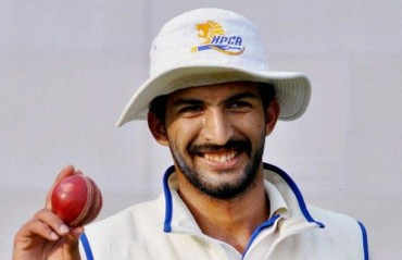Rishi Dhawan sees the funny side of Zimbabwean pace bowling effort
