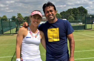 WATCH: Martina and Leander execute some majestic net play