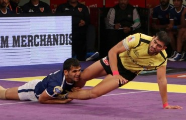 Telugu Titans keep their cool, ensure a comfortable win against Dabang Delhi