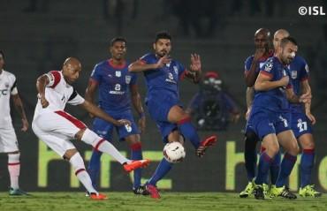 Play by Play: NorthEast United vs Mumbai City Keeper error sends Mumbai to the Top