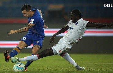Play by Pay: Mumbai finish as league leaders Delhi will be happier to not lose points