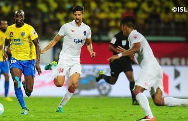 Play by Play: Belfort stars in Blasters' victory; Delhi peformance was below par