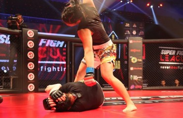 WATCH: 9 Second TKO win from the 18-year-old Asha Roka in SFL