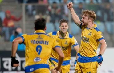 Visitors Jaypee Punjab Warriors beat Delhi Waveriders 3-2 in front of home crowd