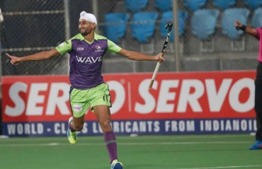 Mandeep Singh strikes twice in Delhi Waveriders' 8-1 win against Uttar Pradesh Wizards