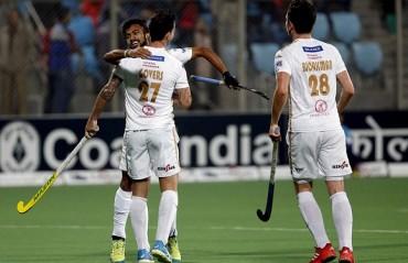 Dabang Mumbai snatch 3-2 win against Delhi Waveriders